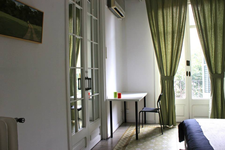Consell de Cent room nr.3 student room for rent in Barcelona