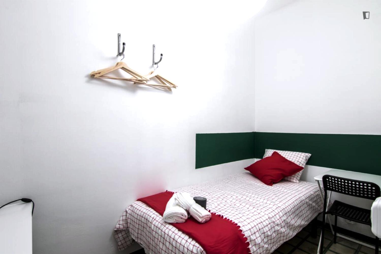 Room nr6 valencia