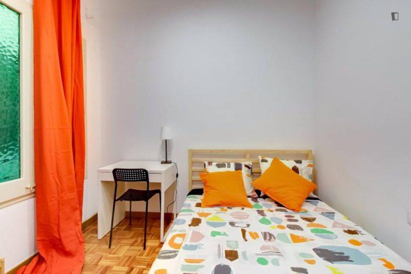Muntaner student room for rent nr1-1