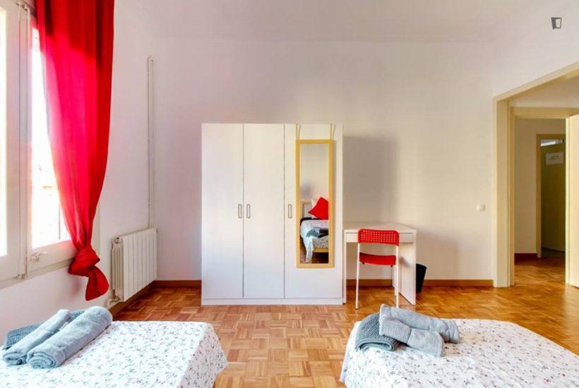 Muntaner student room for rent nr2 -3